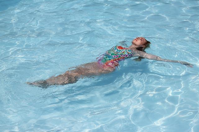 plavání na zádech